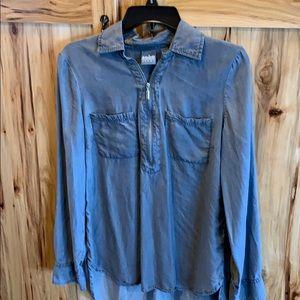 Gray zip up shirt